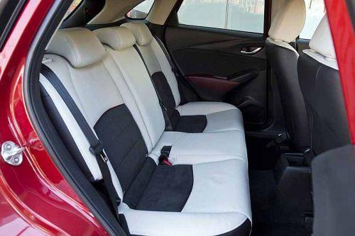 фото салона обновленной Mazda CX-3 2015-2016