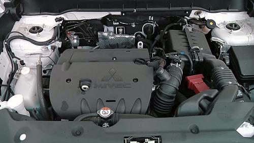 фото двигателя Мицубиси АСХ 2015-2016