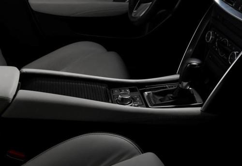foto Mazda CX-4 2016-2017