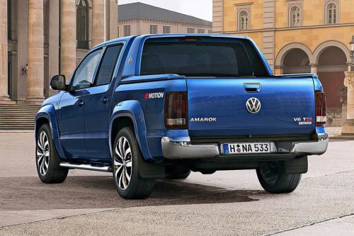 Volkswagen Amarok 2016-2017, вид сзади