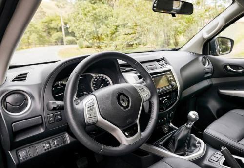 фото салона Renault Alaskan