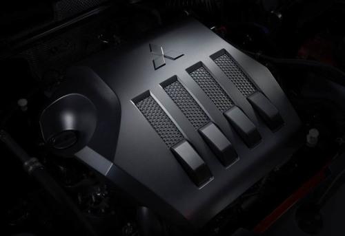 фото двигателя Митсубиси Эклипс Кросс 2017-2018