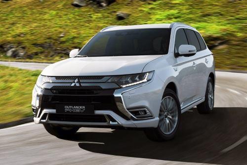 Обновленный Mitsubishi Outlander PHEV прибавил в мощи