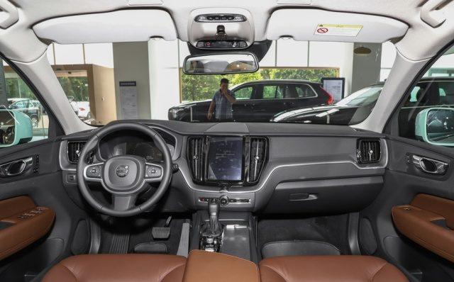 фото салона Volvo XC60 2019